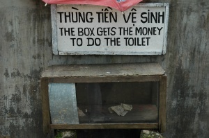 Sign_BoxDoesTheToilet_Large